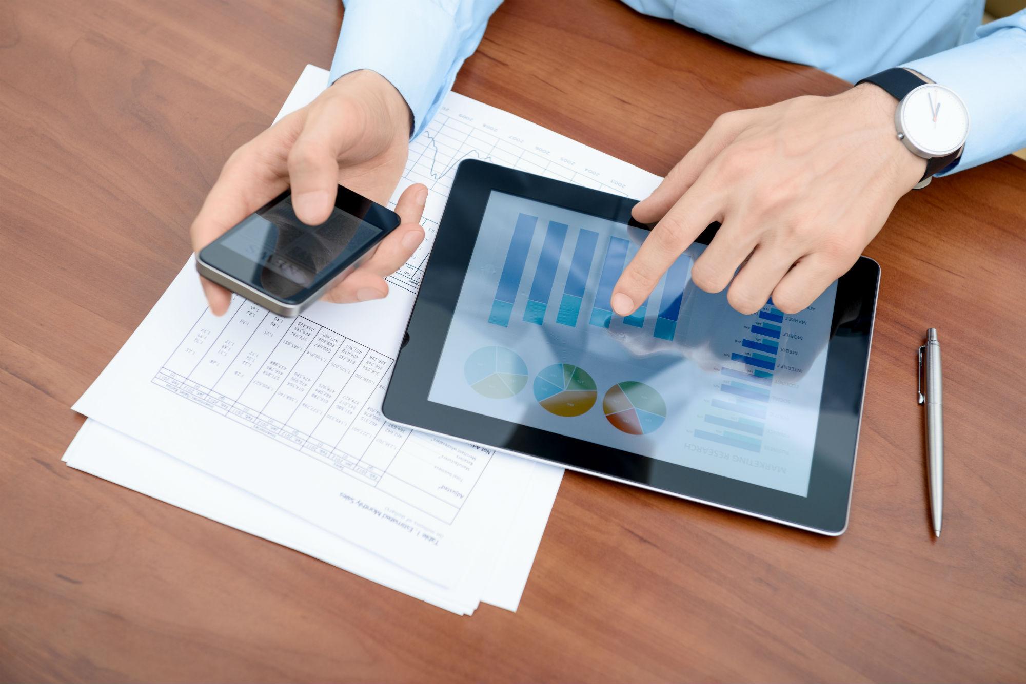 Financial-sector-demands-digital-marketing-expertise.jpg (2000×1335)