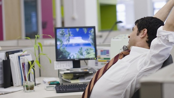 Employee bored at work- Hays careers advice