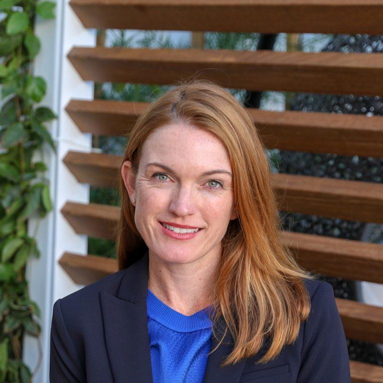 Dra. Megan Jones Bell